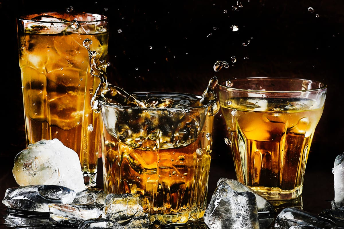 How to Make Clear Ice Cubes for Whiskey